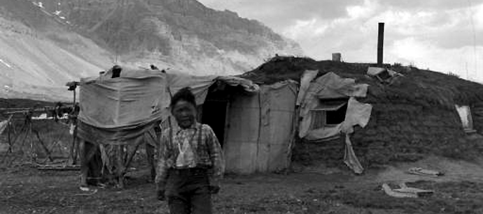 Nunamiut - fra landsbyen ved Anaktuvuk-passet i 1949